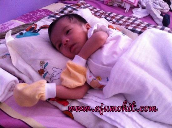 bayi susu badan tak berak seminggu
