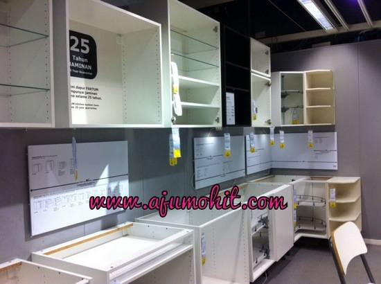 Jalan jalan di ikea lagi harga wall cabinet ikea ajumohit for Harga kitchen cabinet