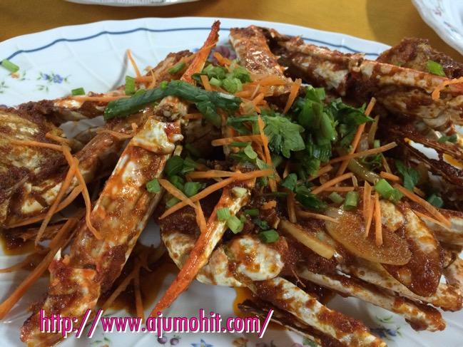 Makan malam di Medan Ikan Bakar Serkam, Melaka