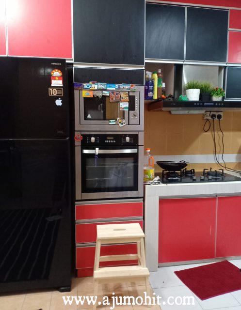 kabinet dapur warna merah