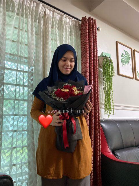 surprise bunga dari suami